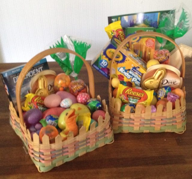 my mother made these baskets.  no no, i put the stuff in, she literally wove the baskets.