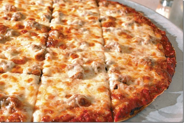 round-pizza-cut-in-squares-chicago_thumb